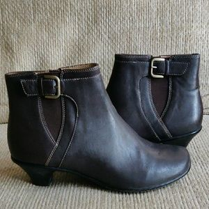 SoftSpots Leather Ankle Boots Brown 7.5